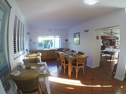 Paradiso Guest House Breakfast Room