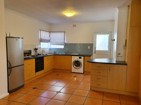 Paradiso Self Catering Two Bedroom Cottage Kitchen