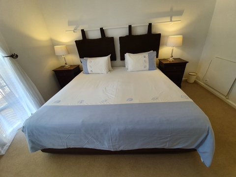 Paradiso Self Catering Two Bedroom Cottage 2nd King Bedroom