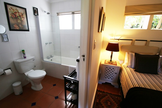 Garden Room Bathroom  B&B Paradiso Guest House